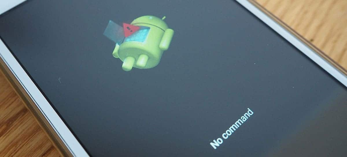 This shows a picture of the little Android bot when there is no command