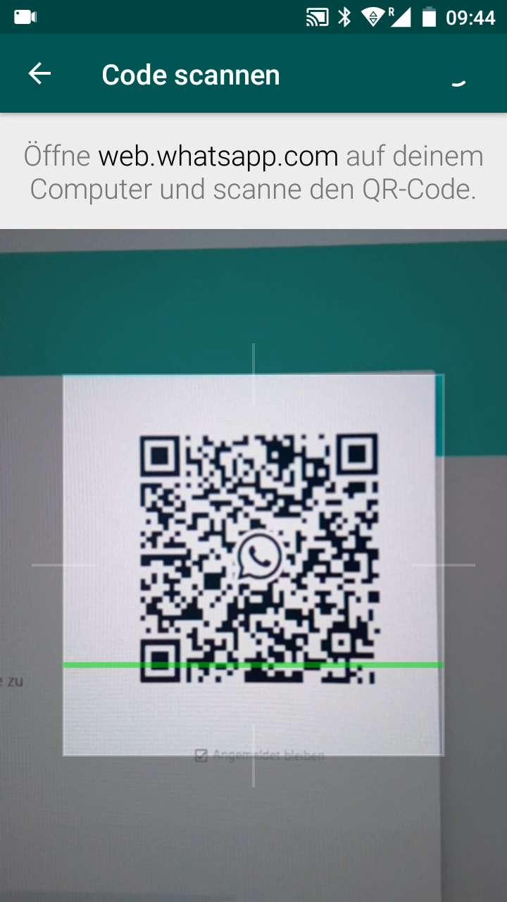 Schritt 4: Scanne mit der Kamera den QR-Code auf web.whatsapp.com