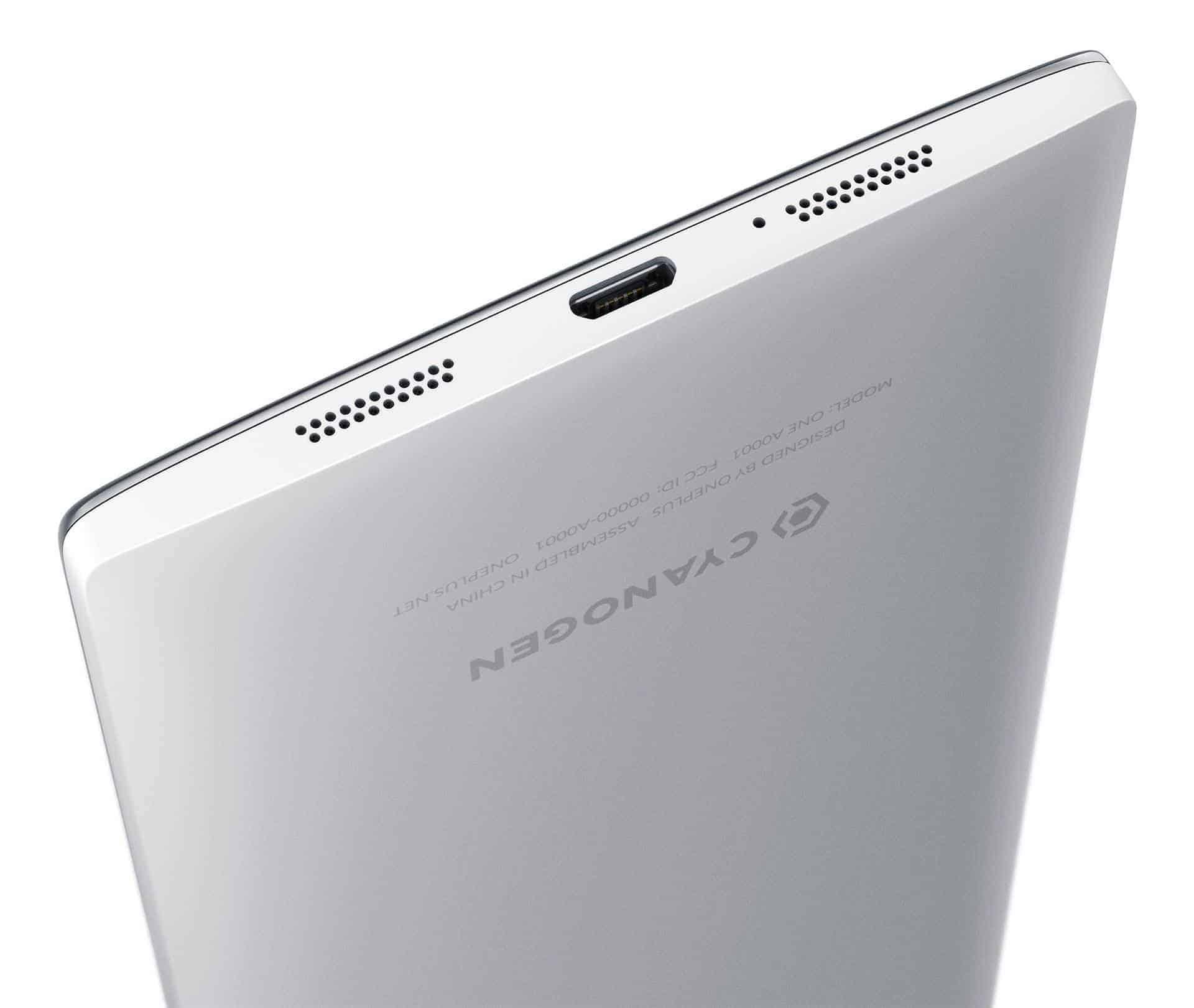 An der unteren Seite des OnePlus One befinden sich zwei Stereo-Lautsprecher.